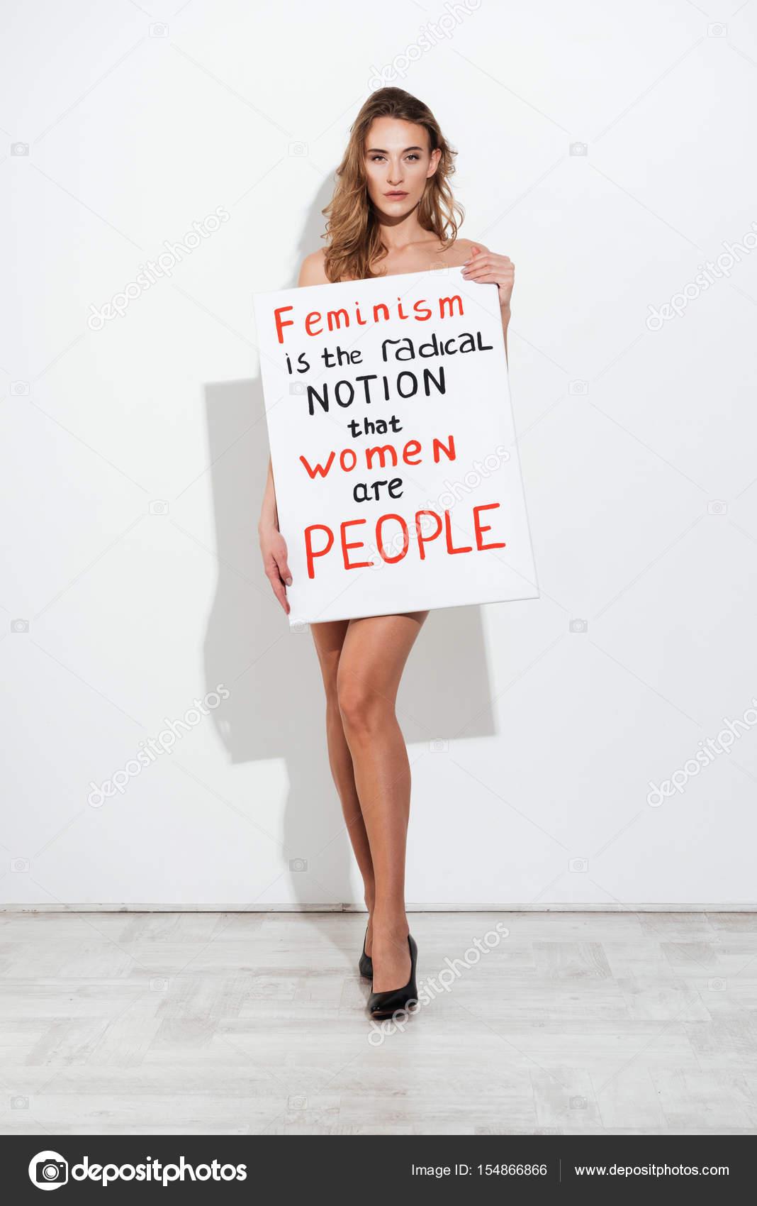 Mujer Desnuda En Blanco Con Texto Sobre Feminismo Foto De Stock