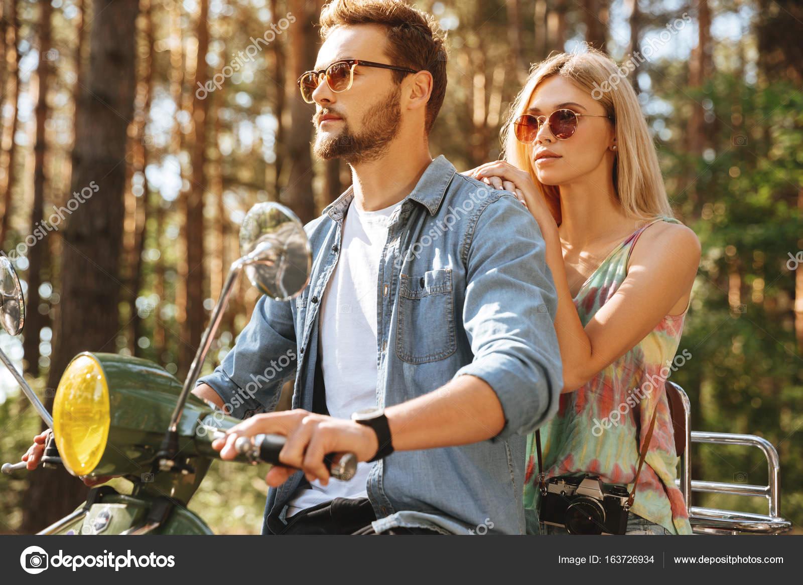 Freundin auf Dating-Seite Militärische Dating-Website australia