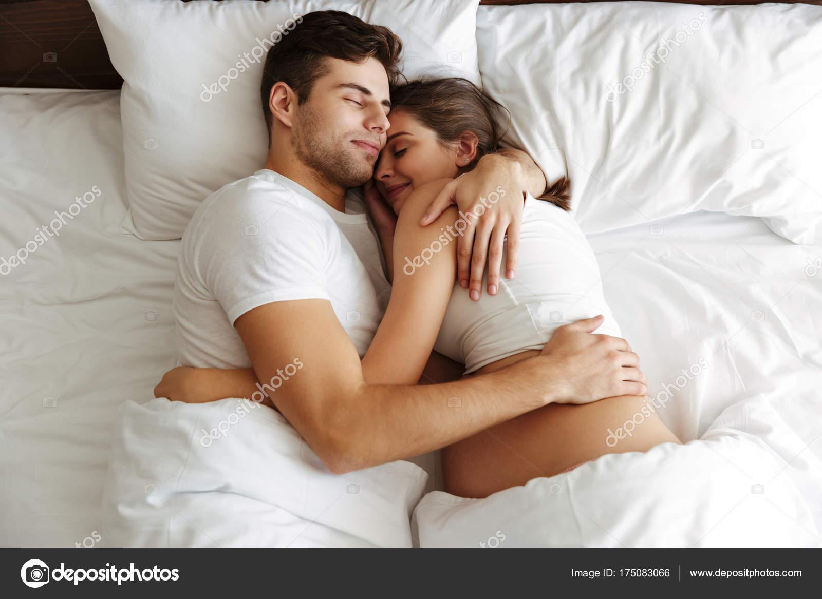 Русские женщины в кровати с мужем, смотреть как трахают спящих и пьяных