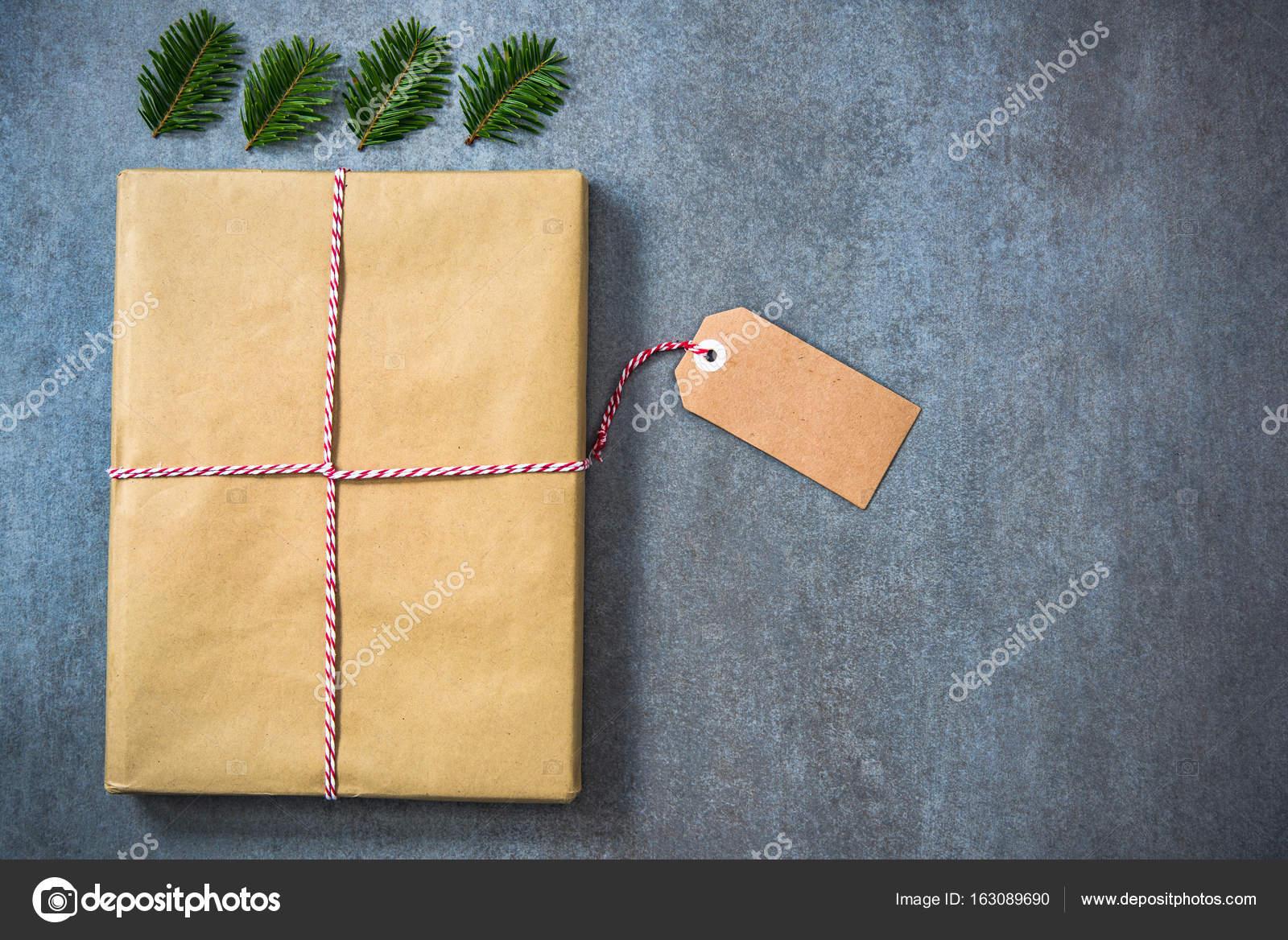 Weihnachtsgeschenk für Buch Wurm Person Verpackung — Stockfoto ...