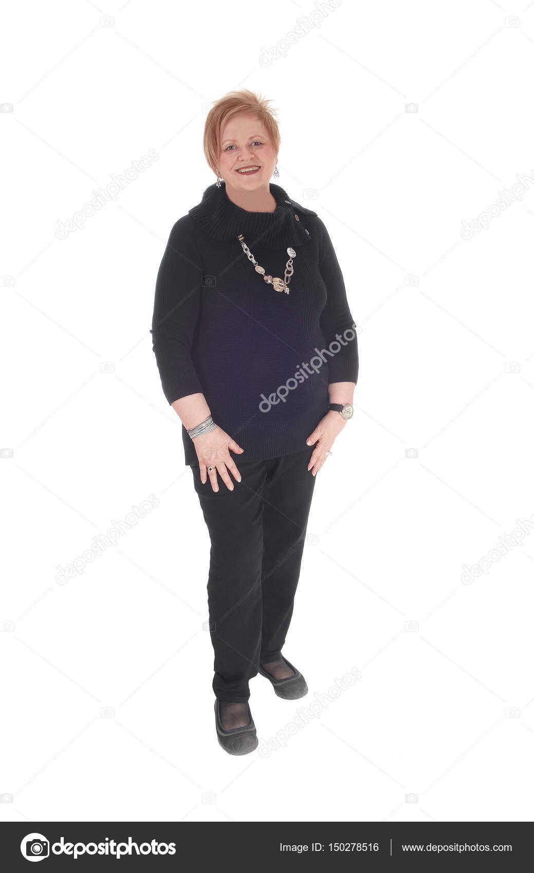 La mujer de negro vestida mas que vieja