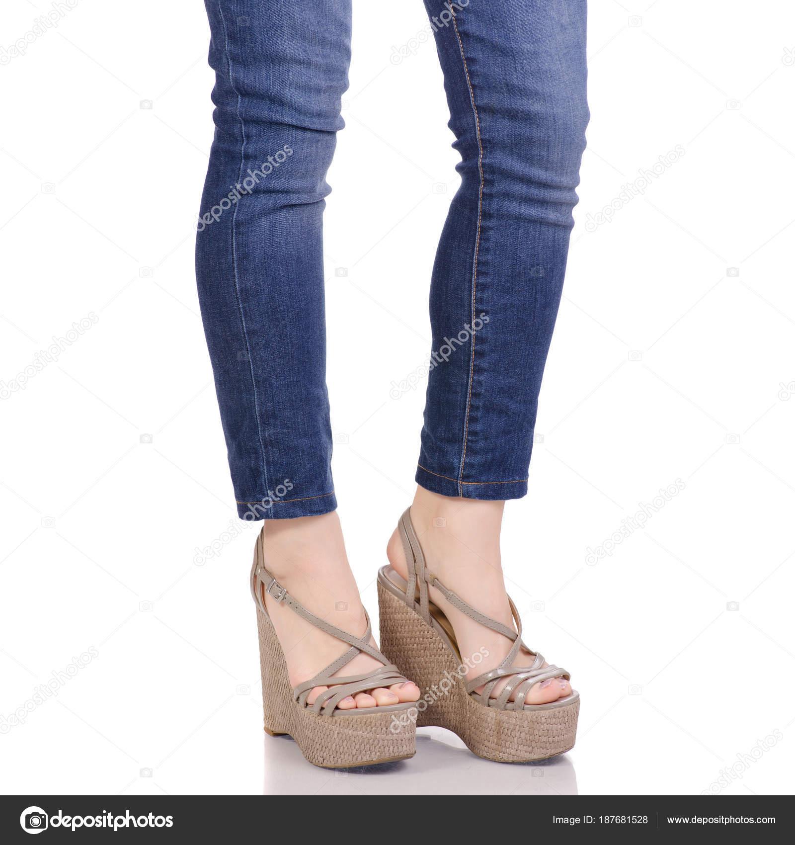 Pantalones Y Vaqueros Una Piernas Mujeres Gris Sobre Sandalias En 354ARqjL