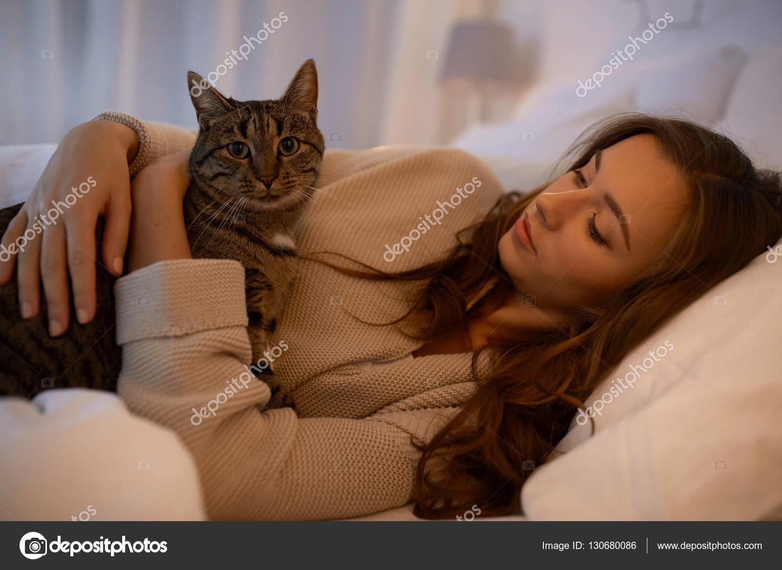 Стар домашние фото девушек на кровати порно самые