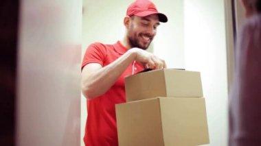 Resultado de imagen de mensajero no entregando un paquete