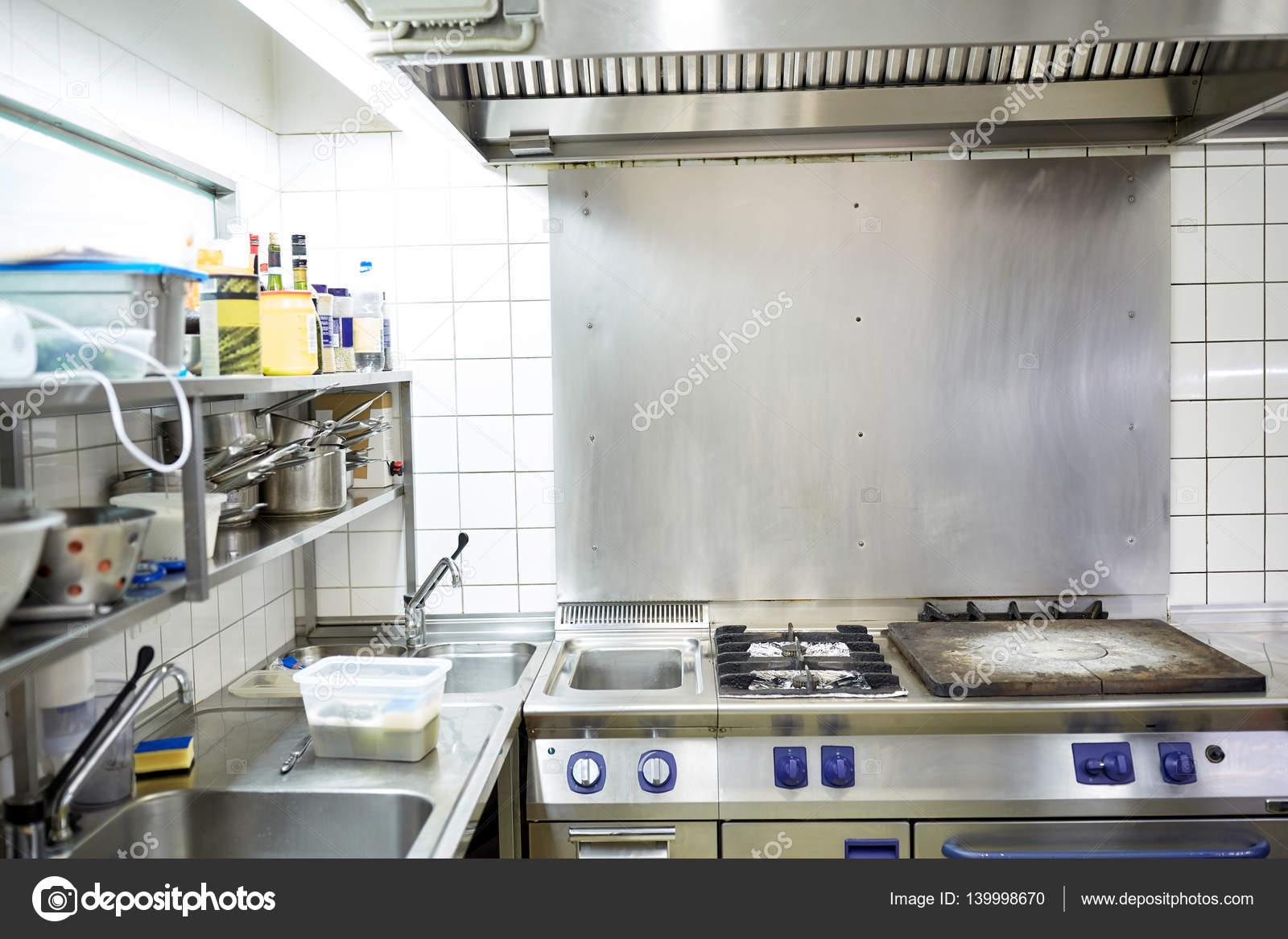 Equipamentos De Cozinha Profissional De Restaurante Fotografias De