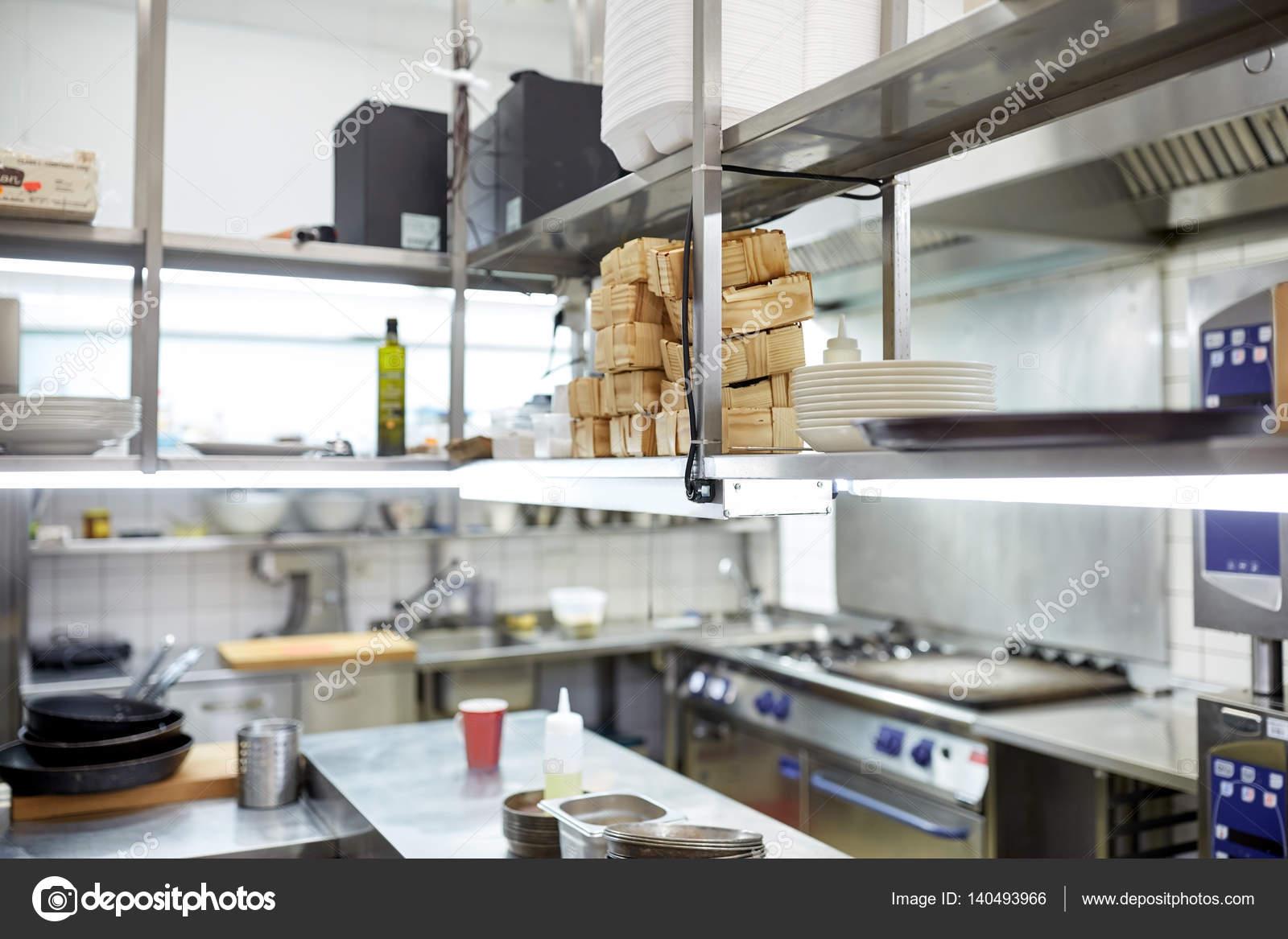 Attrezzature di cucina professionale del ristorante u foto stock