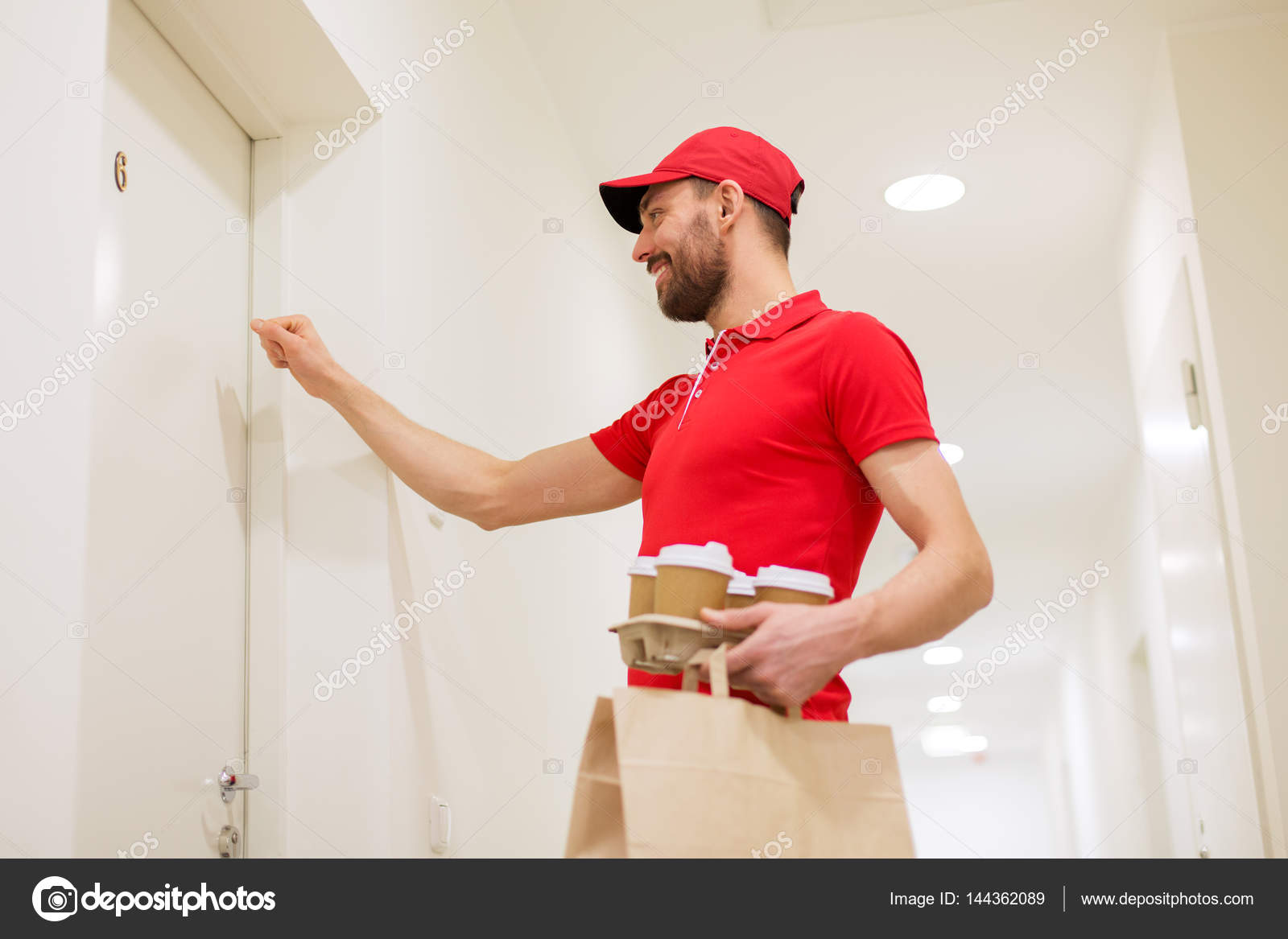 Delivery man with coffee and food knocking on door \u2014 Stock Photo #144362089 & Delivery man with coffee and food knocking on door \u2014 Stock Photo ... Pezcame.Com