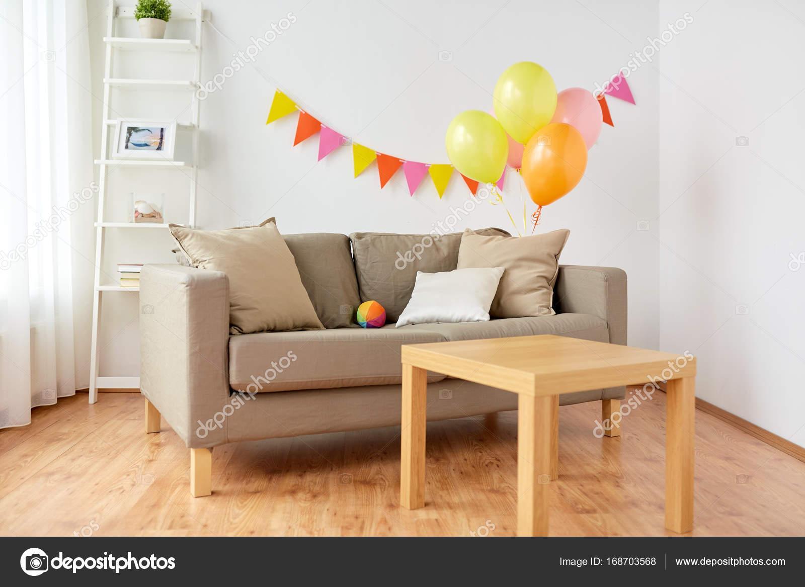 saln decorado para fiesta de cumpleaos casera Foto de stock