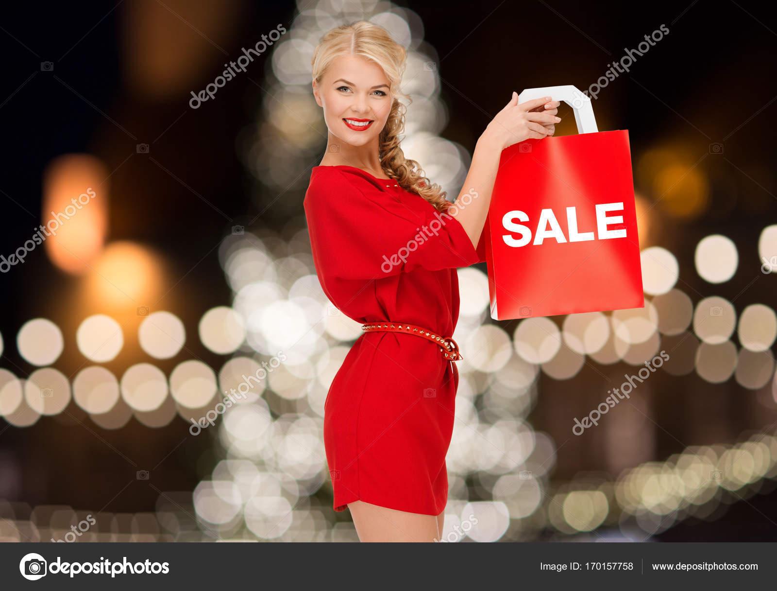 Palabra mujer con vestido rojo