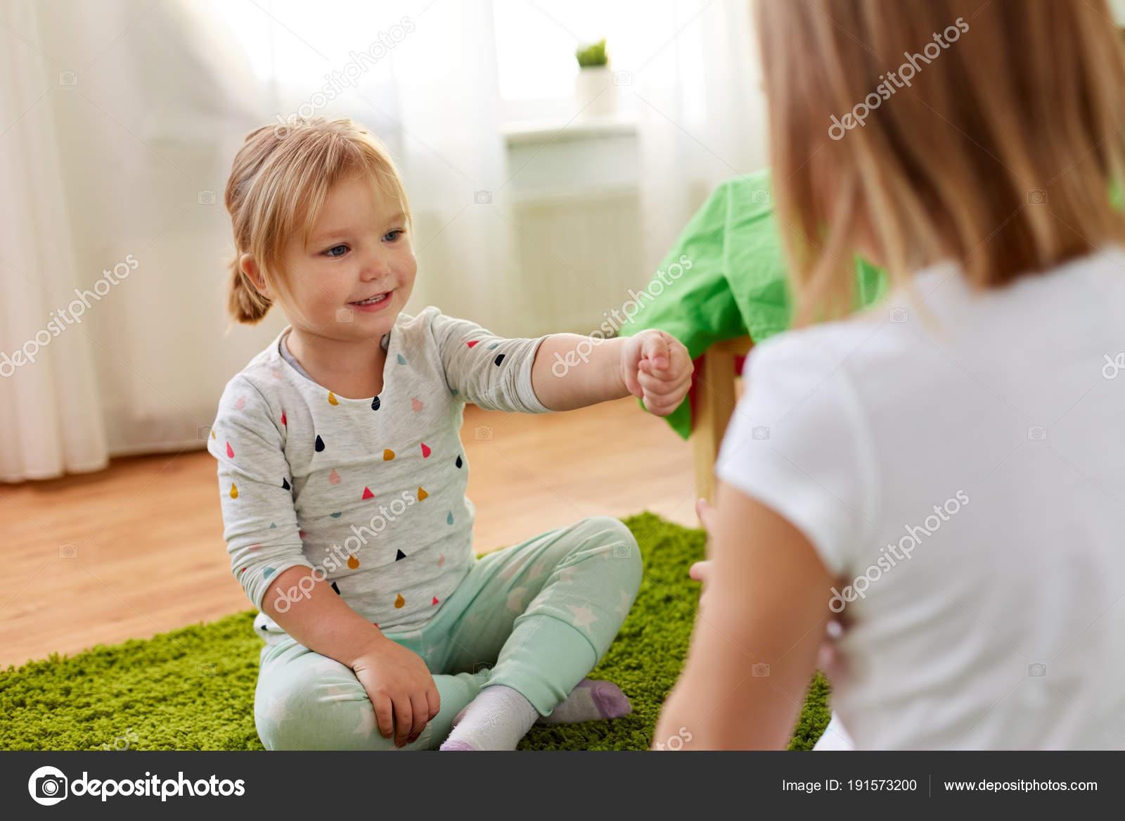 Dívky nůžky obrázky