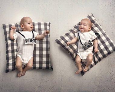Portrait of a two newborn pgotographer