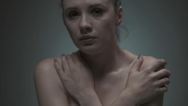 Bolest hlavy utrpení deprese mladá žena