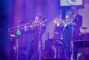 Dutch Swing College Band perform in