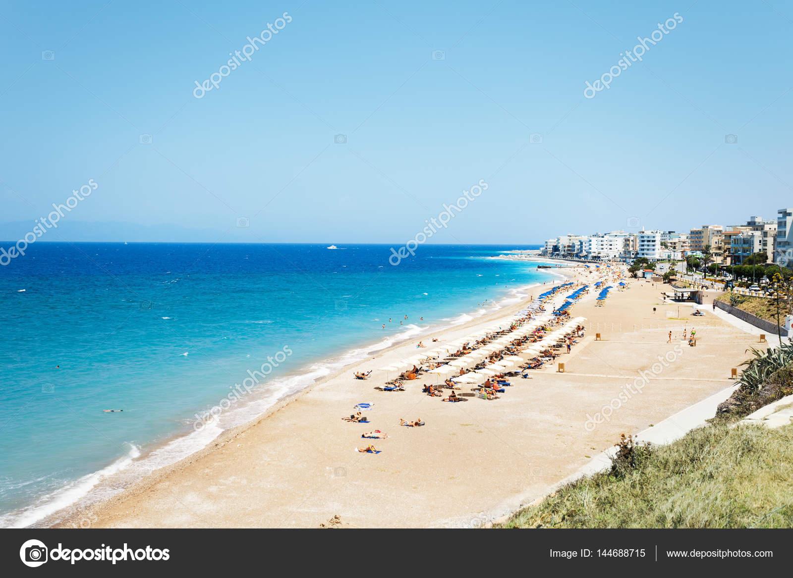 Sandigen Strand Von Rhodos Im Sommer Stockfoto Serrnovik 144688715