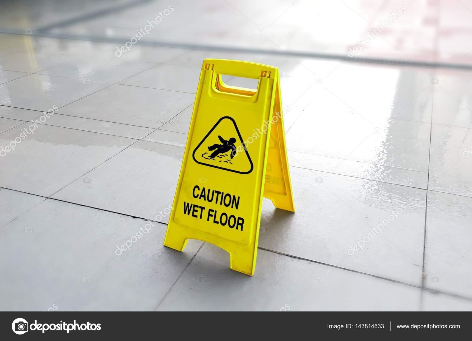Pavimento bagnato cautela u2014 foto stock © razihusin #143814633