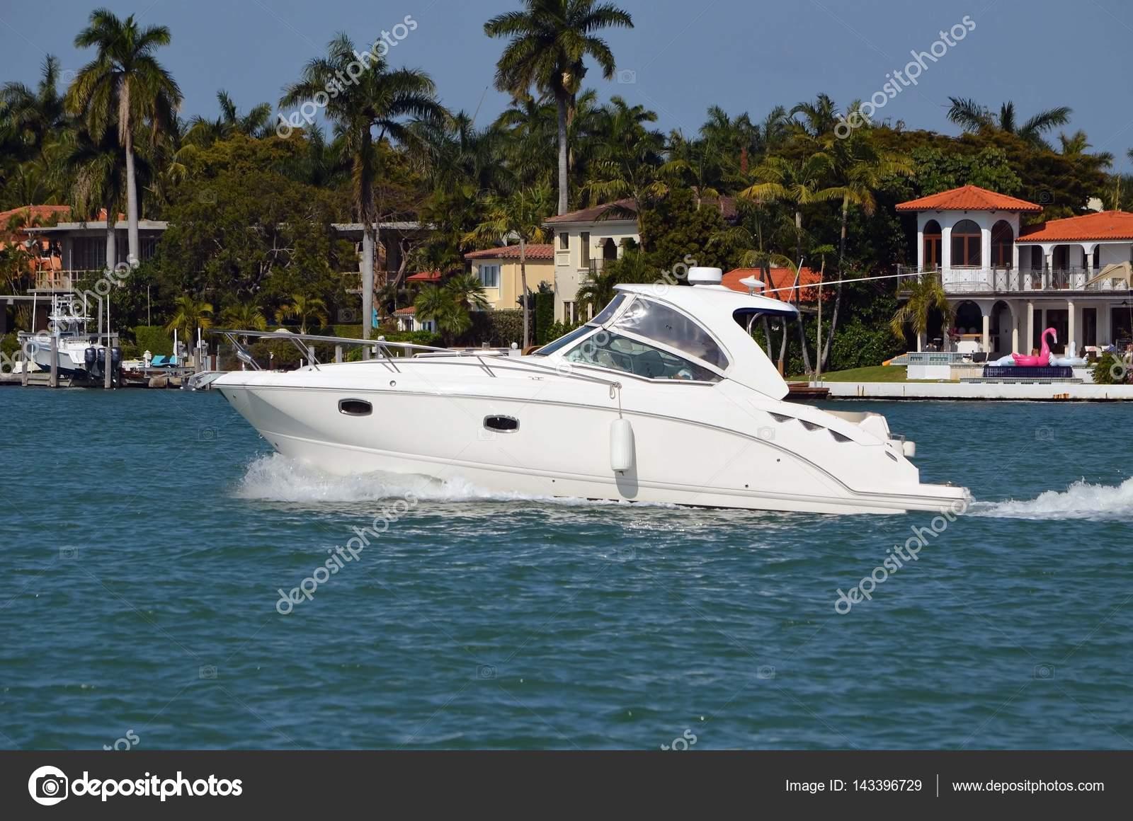 Upscale Cabin Cruiser On The Florida Intra Coastal
