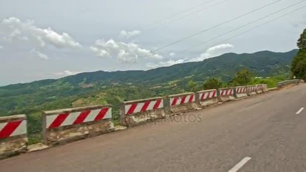 Horská silnice asfaltové lesní kopci