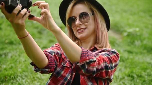 Hipster dívka při selfie