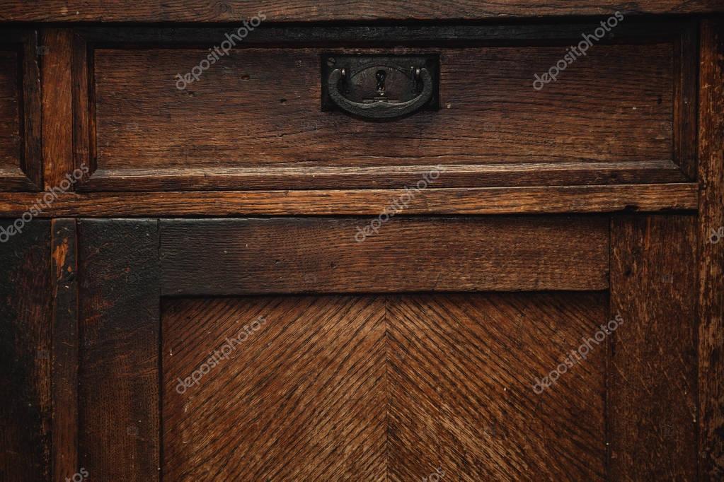 Metalen Kast Retro : Detail van een vintage kast dressoir laden met metalen handvat
