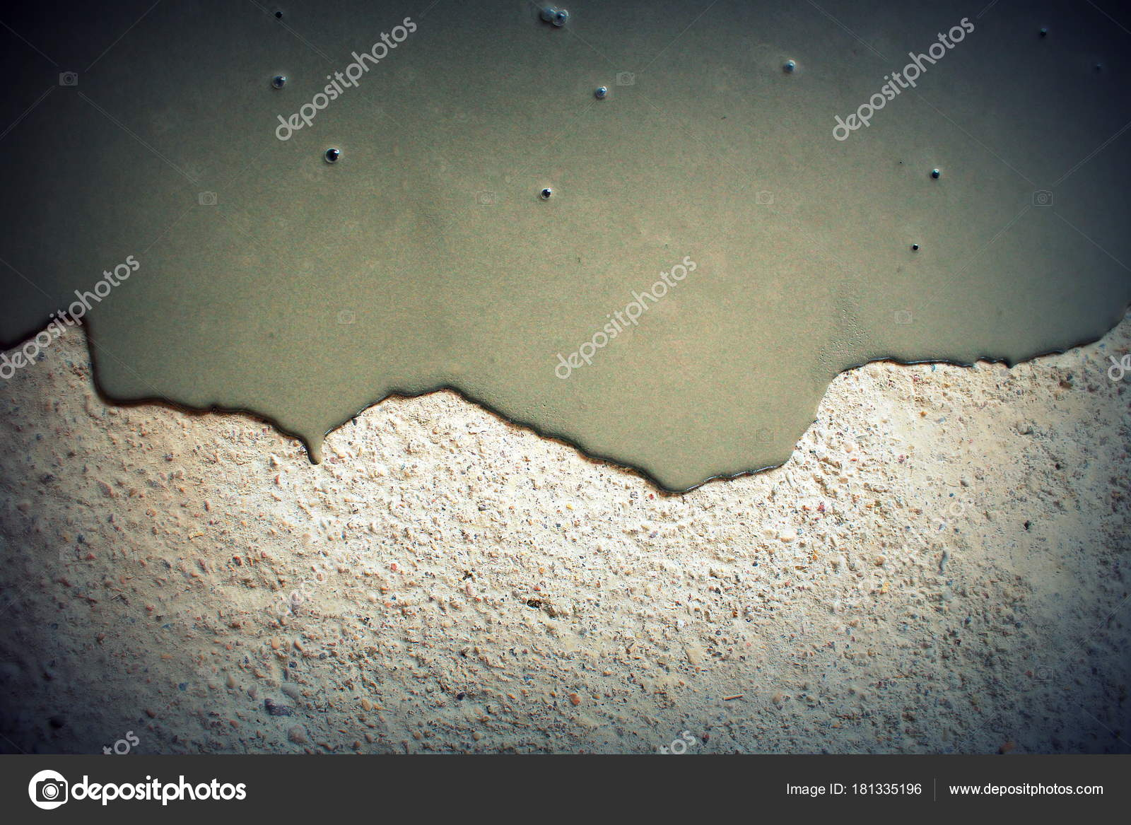 Concrete background  Self leveling compound spreading — Stock Photo