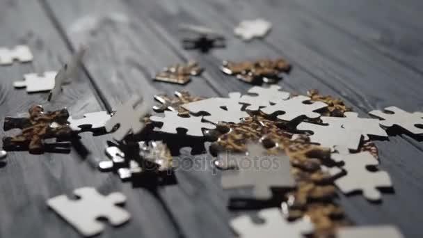 Csökkenő Puzzle részek a kék tábla