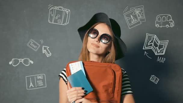 Turista má cestovní pas a letenku