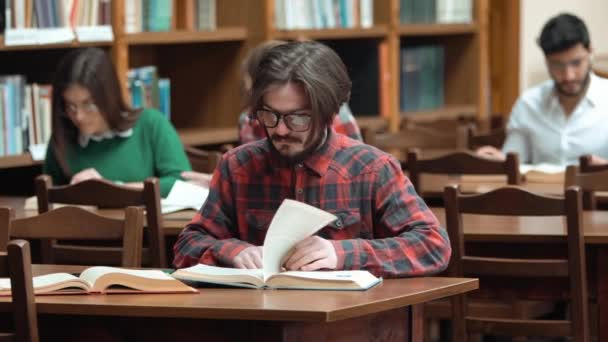 Individual Studying in Library