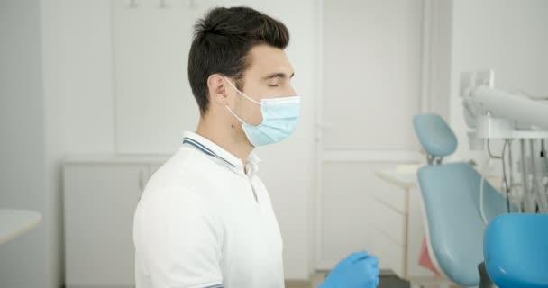Portrét zubaře