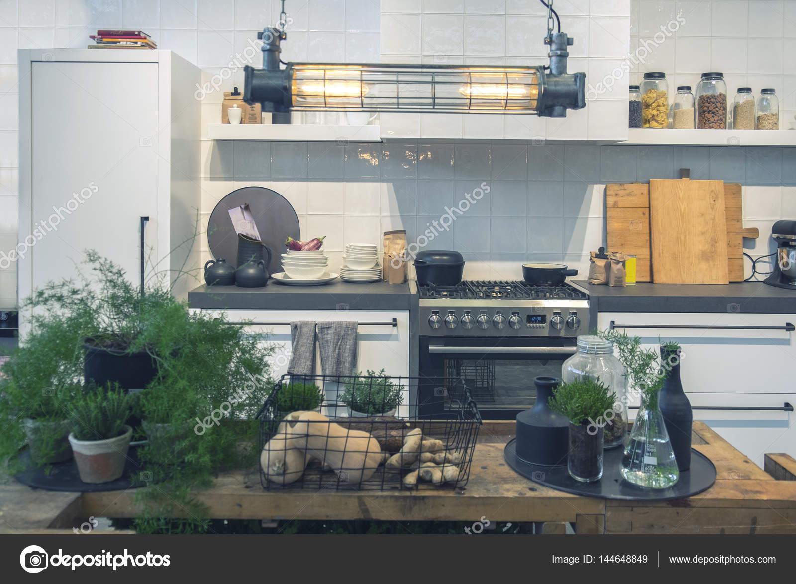 Case Stile Countryfoto : Interni di cucina in stile country u foto stock araraadt