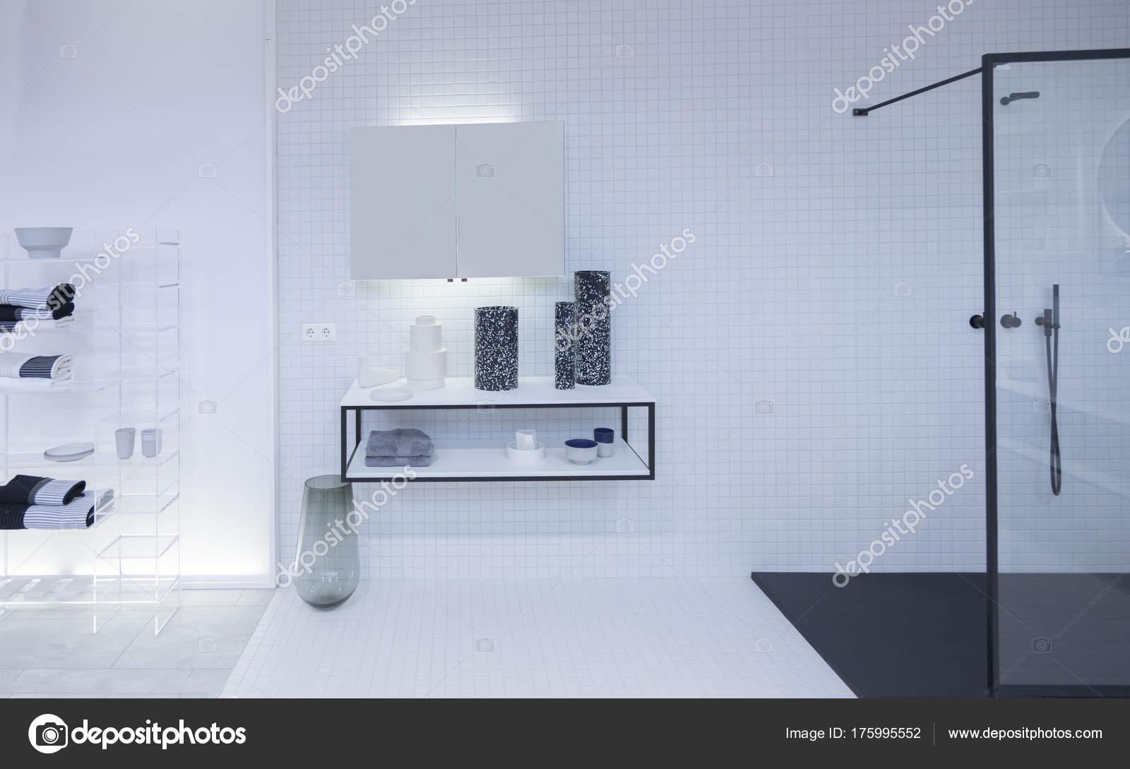 Sala Da Bagno Stile Contemporaneo : Dettaglio della decorazione della stanza del bagno u foto stock
