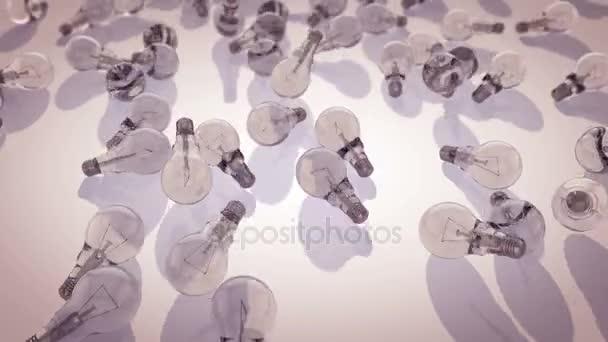 Žárovky padají dolů