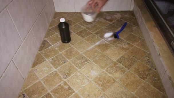 Piastrelle Per Doccia A Pavimento.Pavimento Di Piastrelle Doccia Lo Scrubbing Di Persona