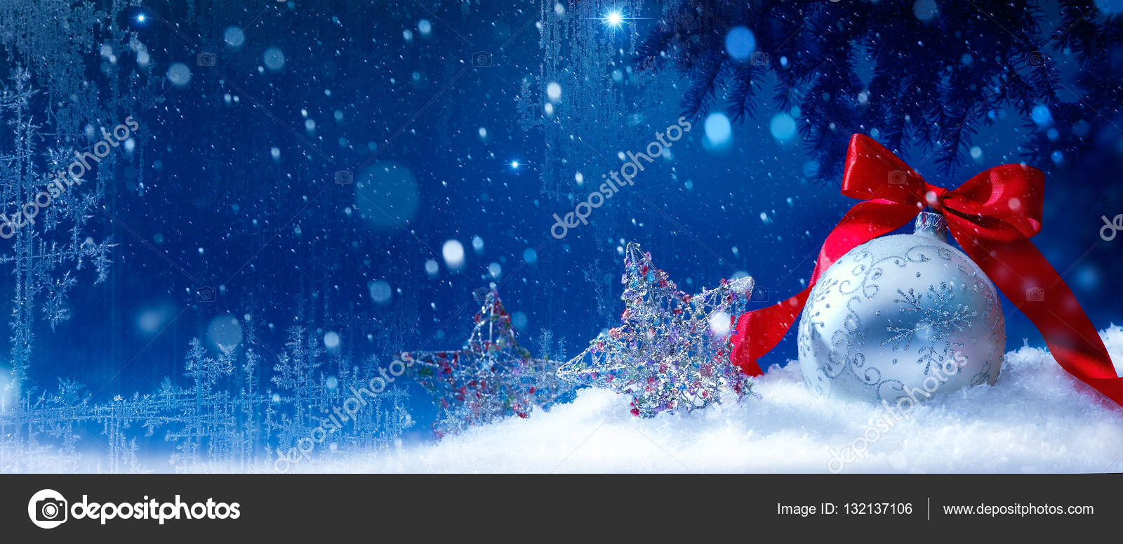 青い雪のクリスマス背景 — スト...