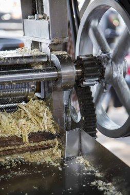 Sugarcane juice making