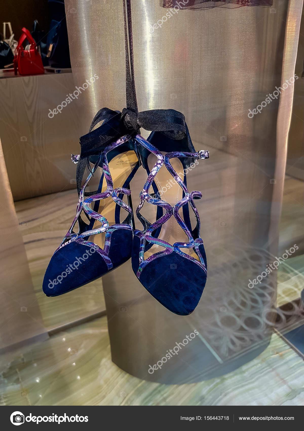 6689c58e4d Armani Γυναικεία παπούτσια – Εκδοτική Εικόνα Αρχείου © boggy22 ...