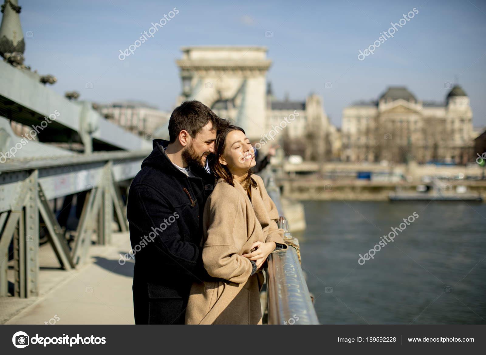 Βουδαπέστη dating 15 18 dating