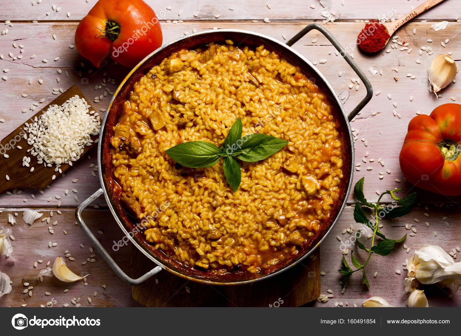 Spaanse Kip Paella Stockfoto Nito103 160491854