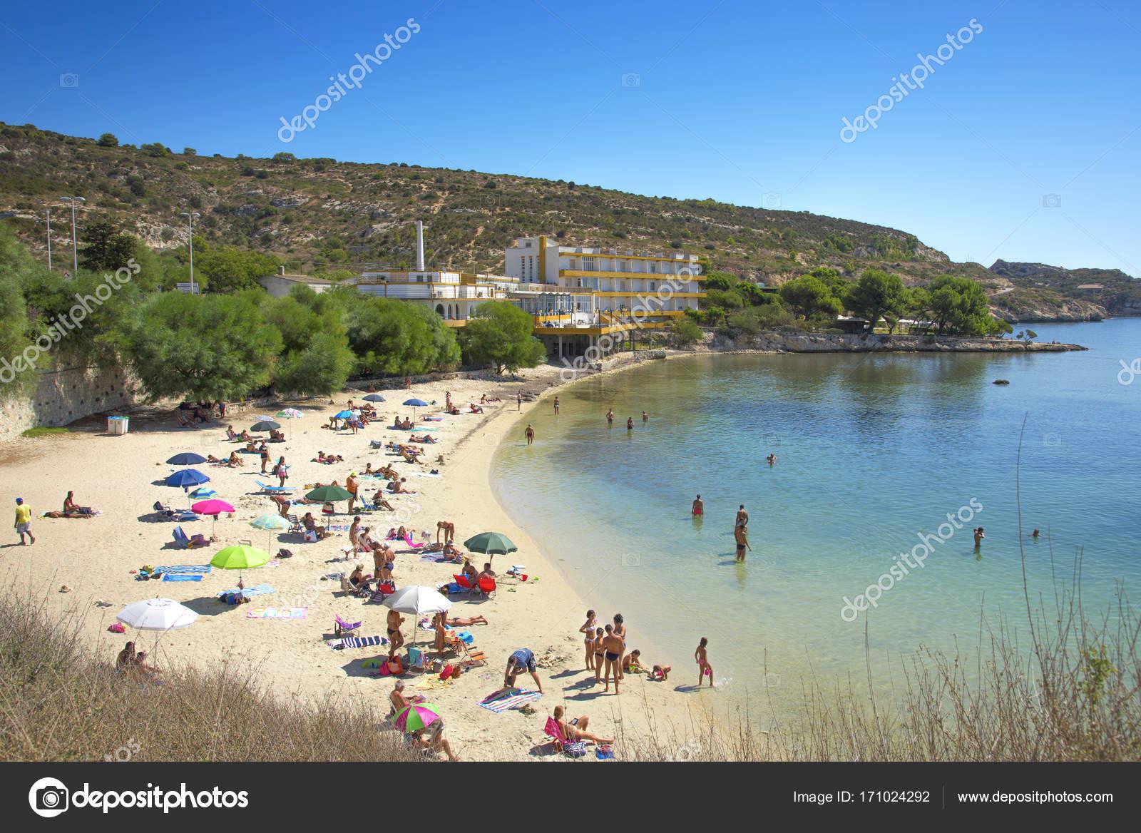 Spiaggia di Calamosca beach in Sardinia, Italy — Redaktionelles ...