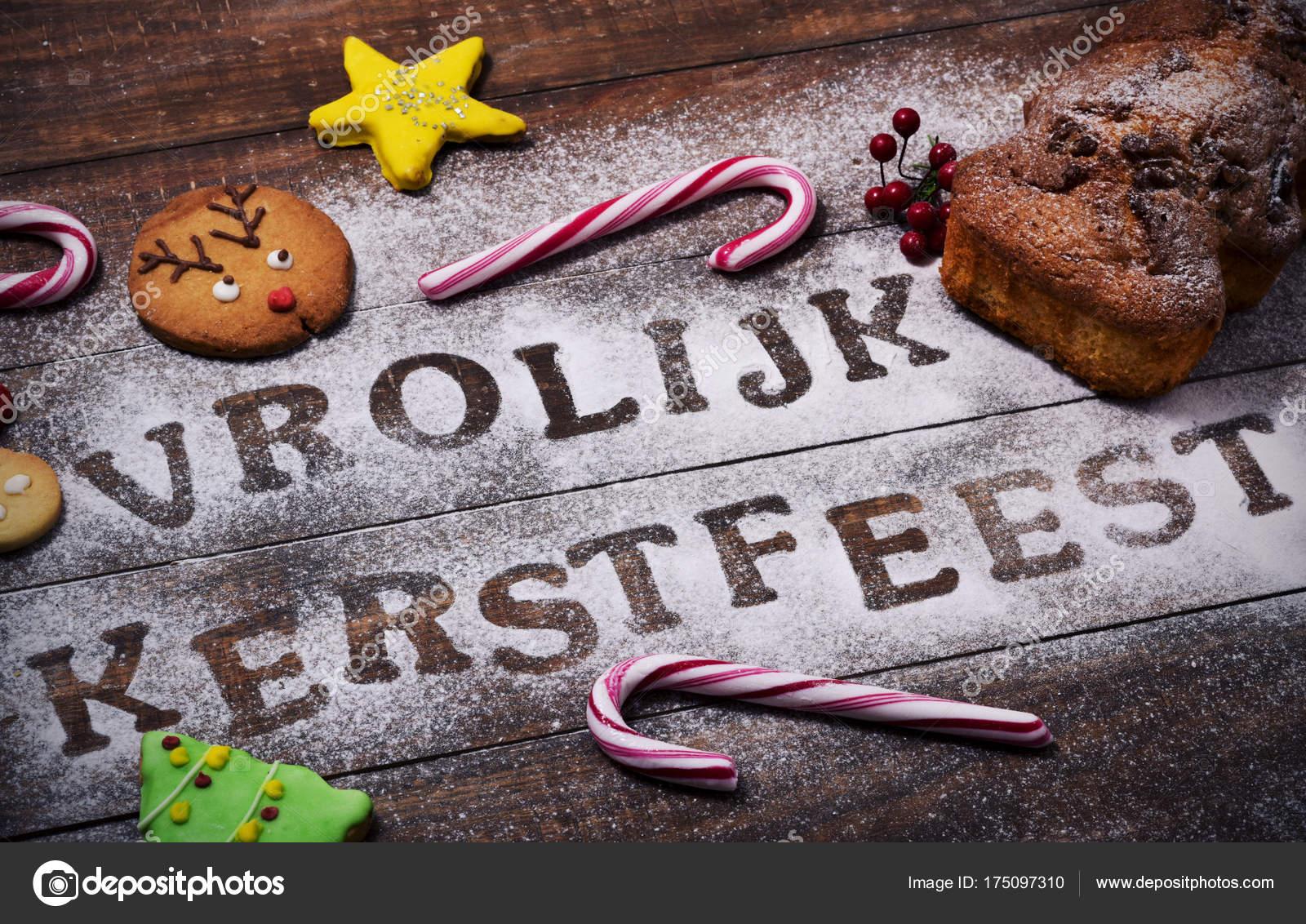 text vrolijk kerstfeest frohe weihnachten auf niederl ndisch stockfoto nito103 175097310