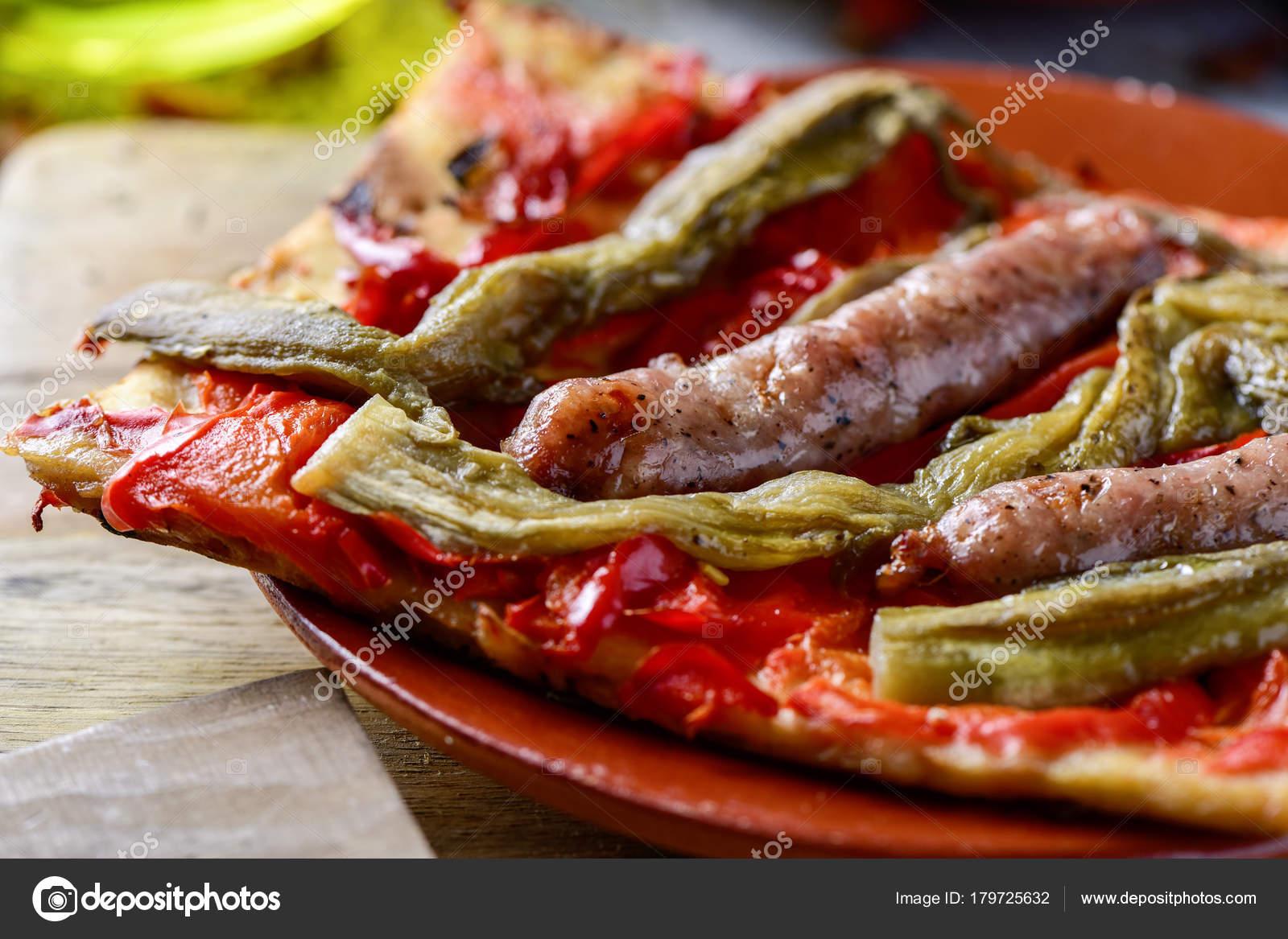 Coca De Recapte Katalanischen Kuchen Ahnlich Wie Pizza Stockfoto