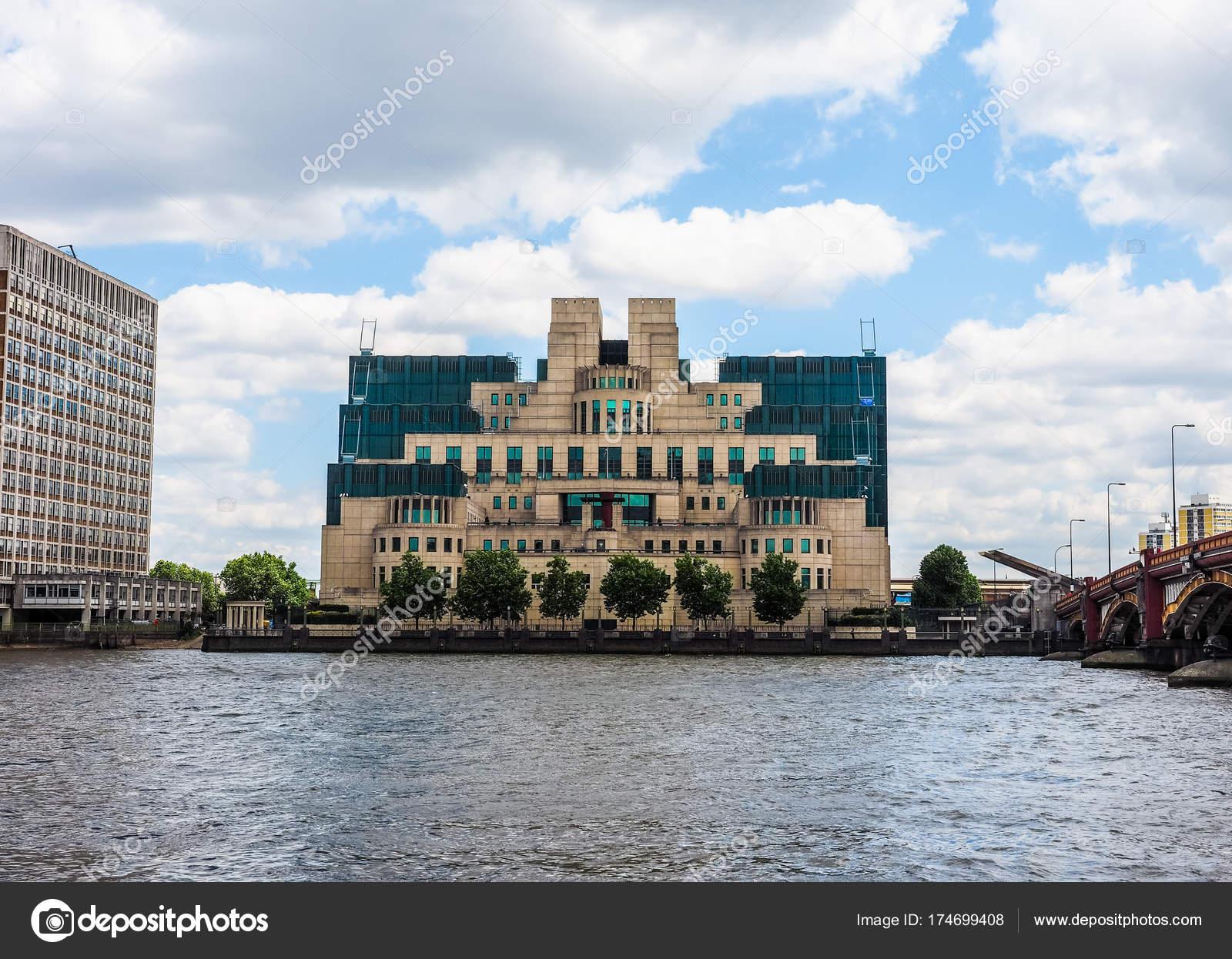 Google Hoofdkwartier Londen : Britse geheime dienst in londen hdr u2013 redactionele stockfoto