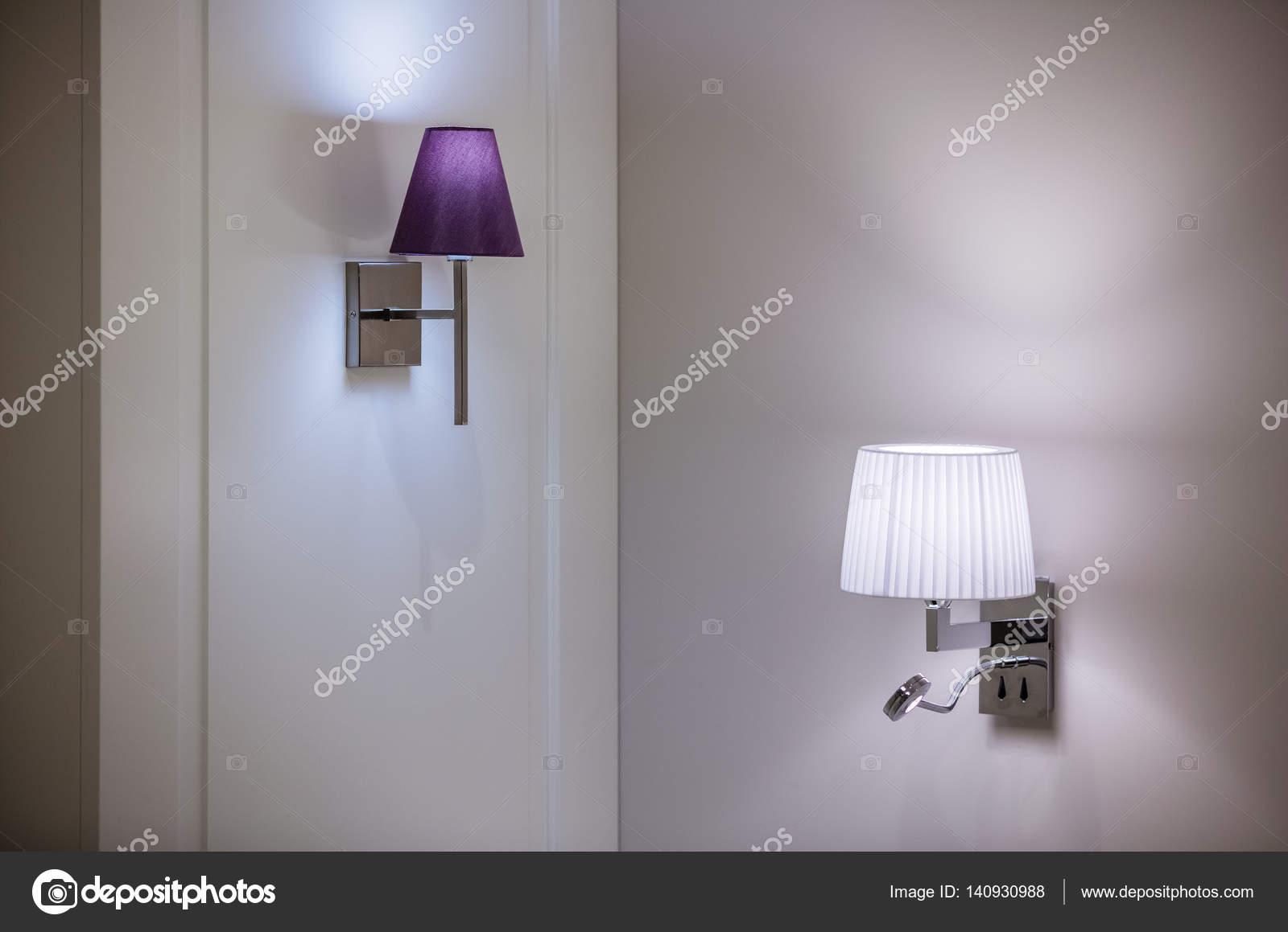 Plafoniere Da Parete Moderne : Lampade da parete staffa u foto stock photobac