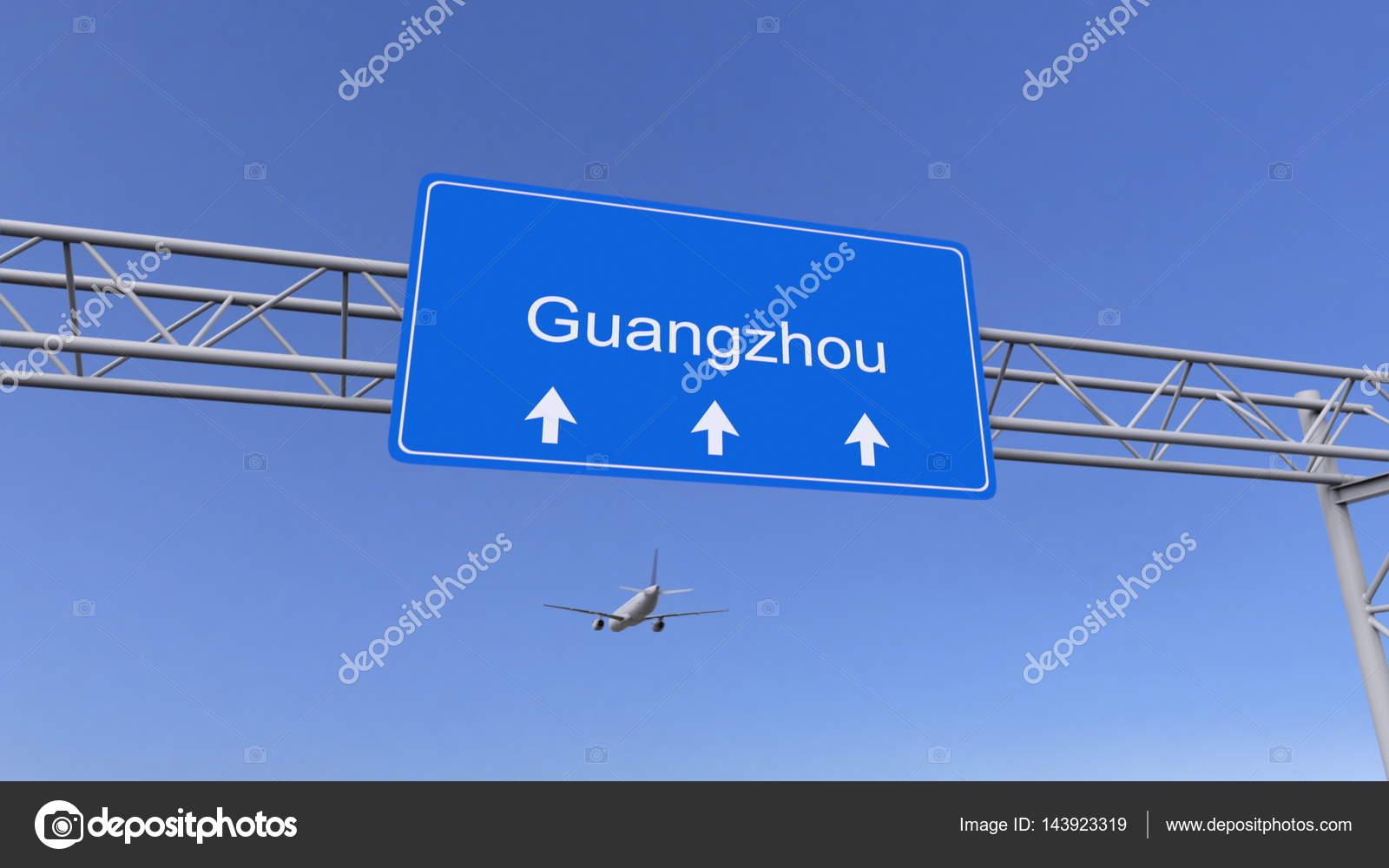 Aeroporto Guangzhou Arrive : Avião comercial chegando ao aeroporto de guangzhou. viajar para a