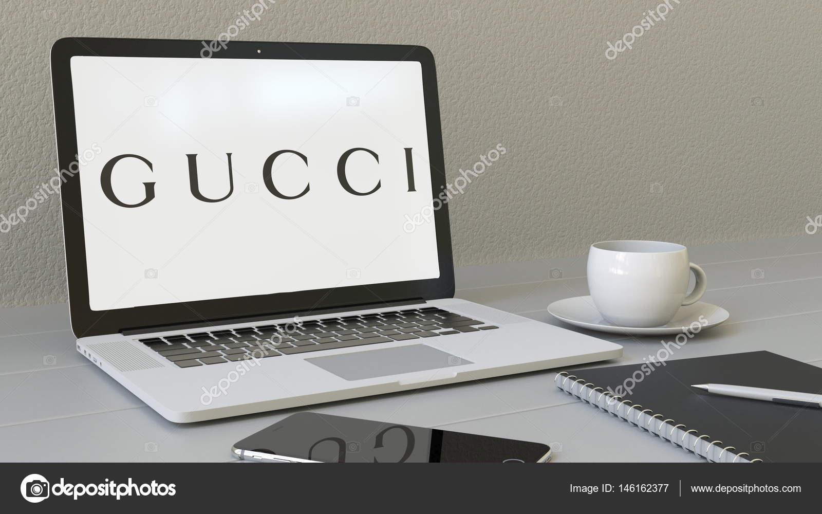 e5378504193e Gucci logo üstünde belgili tanımlık perde ile dizüstü bilgisayar. Modern  işyeri kavramsal editoryal 4k animasyon — alexeynovikov ...