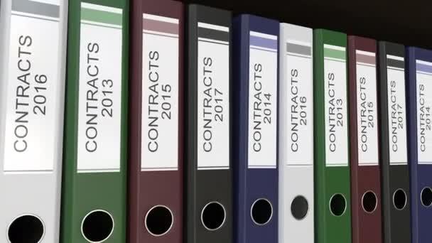 Linie vícebarevná úřadu pořadačů s kontrakty značky, různé roky. 4 k bezešvé smyčka klip