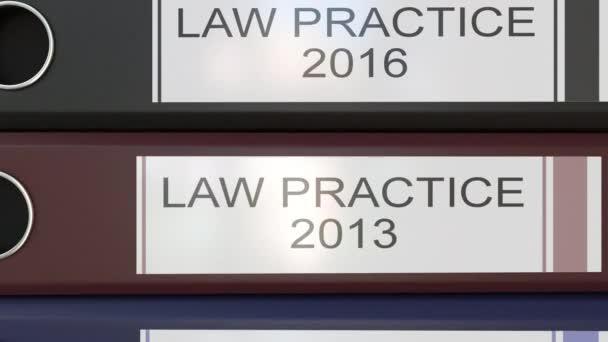 Vertikální zásobník vícebarevná úřadu pořadačů s zákon praxe značky různé roky
