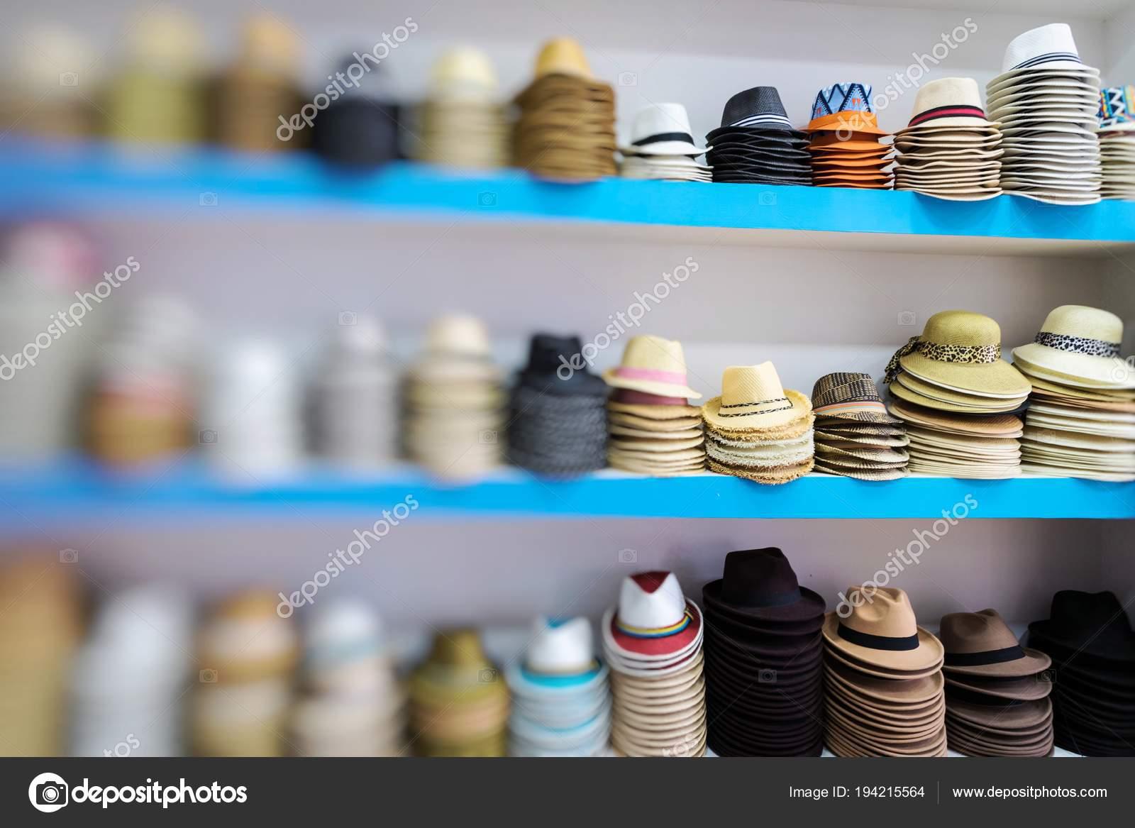 Sombreros Panamá Hechos Mano Tradicional Mercado Aire Libre Recuerdos  Populares — Fotos de Stock f7cd880e171