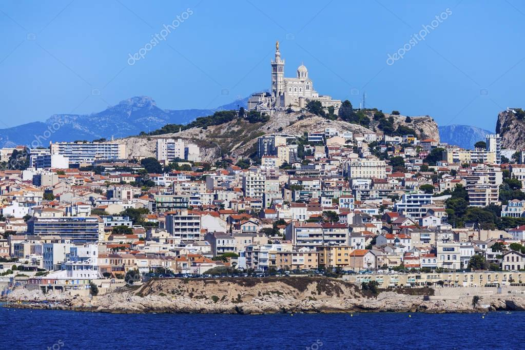 Tracez le Tour de France 2020 ! - Page 4 Depositphotos_129819834-stock-photo-marseille-panorama-from-frioul-archipelago