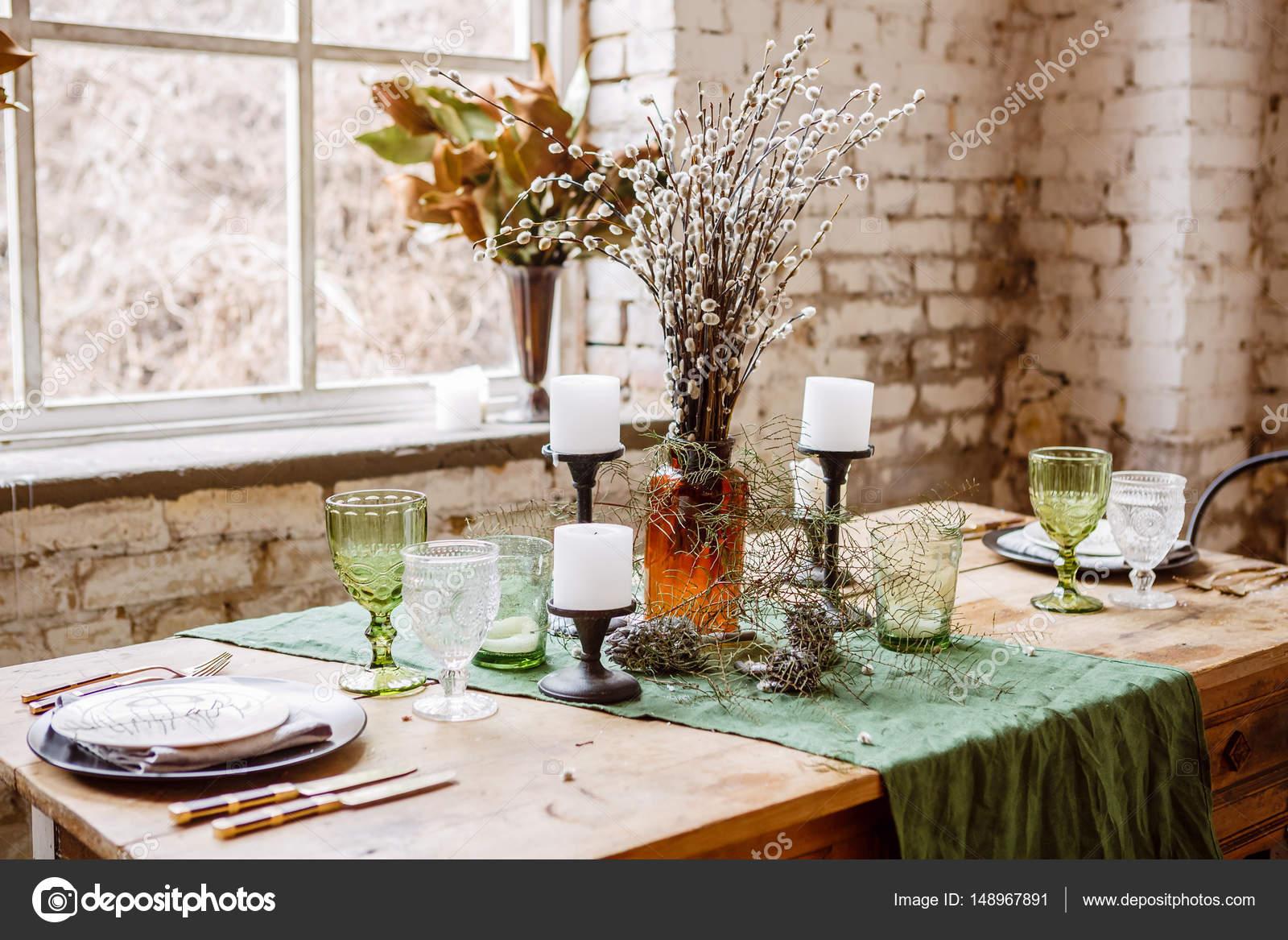 Stenen Muur Interieur : Loft interieur met bakstenen muur tafel en stoelen u stockfoto