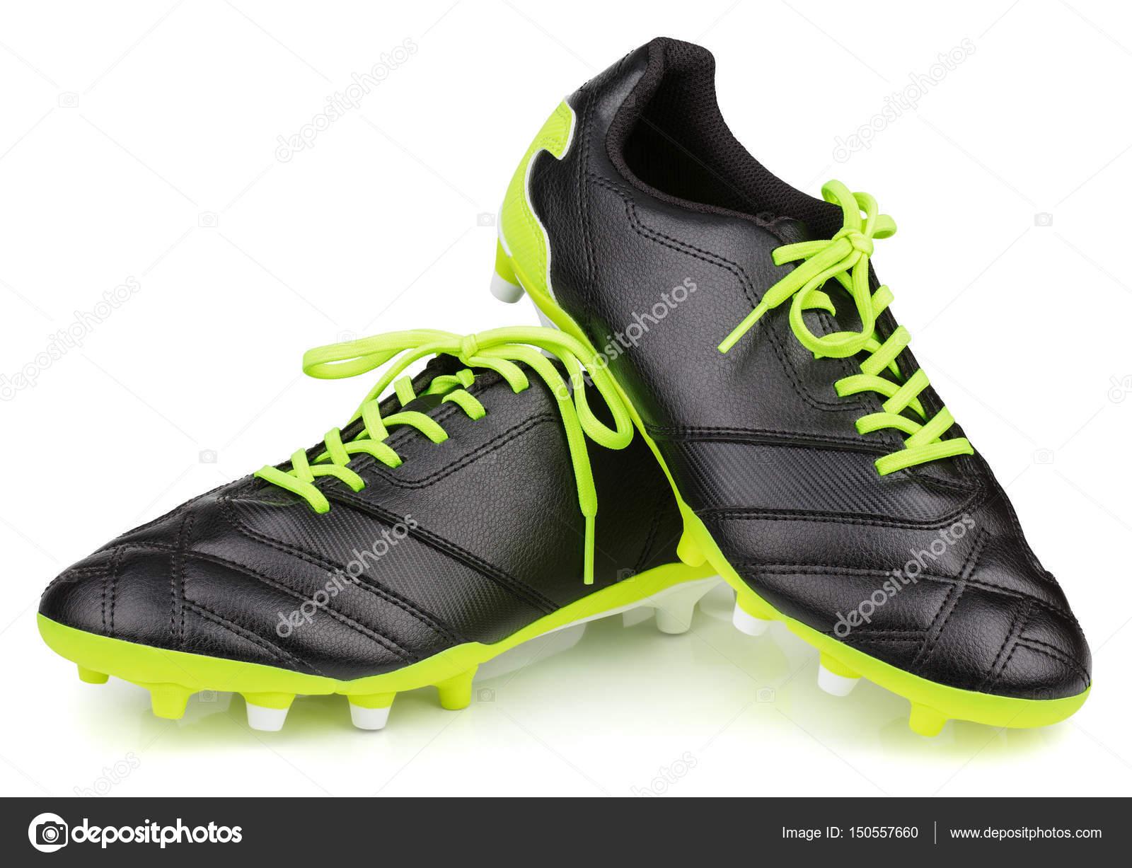 e8f12dfc5806b Chaussures de football en cuir noir ou de soccer bottes isolé sur fond  blanc — Photo